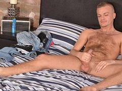 Luke is expert, plus a real bottom who luvs to get pummeled. Check him out!